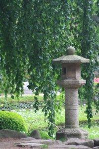 Pflege von japanische Laternen aus Stein